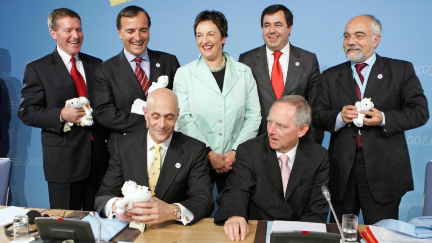 Schäuble und Chertoff beim Aushandeln weiterer Datendeals ui Beginn der deutschen EU-Präsidentschaft 2007
