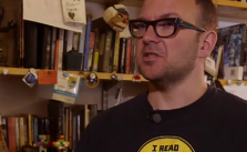 Cory Doctorow. Quelle: Screenshot 3sat-Mediathek