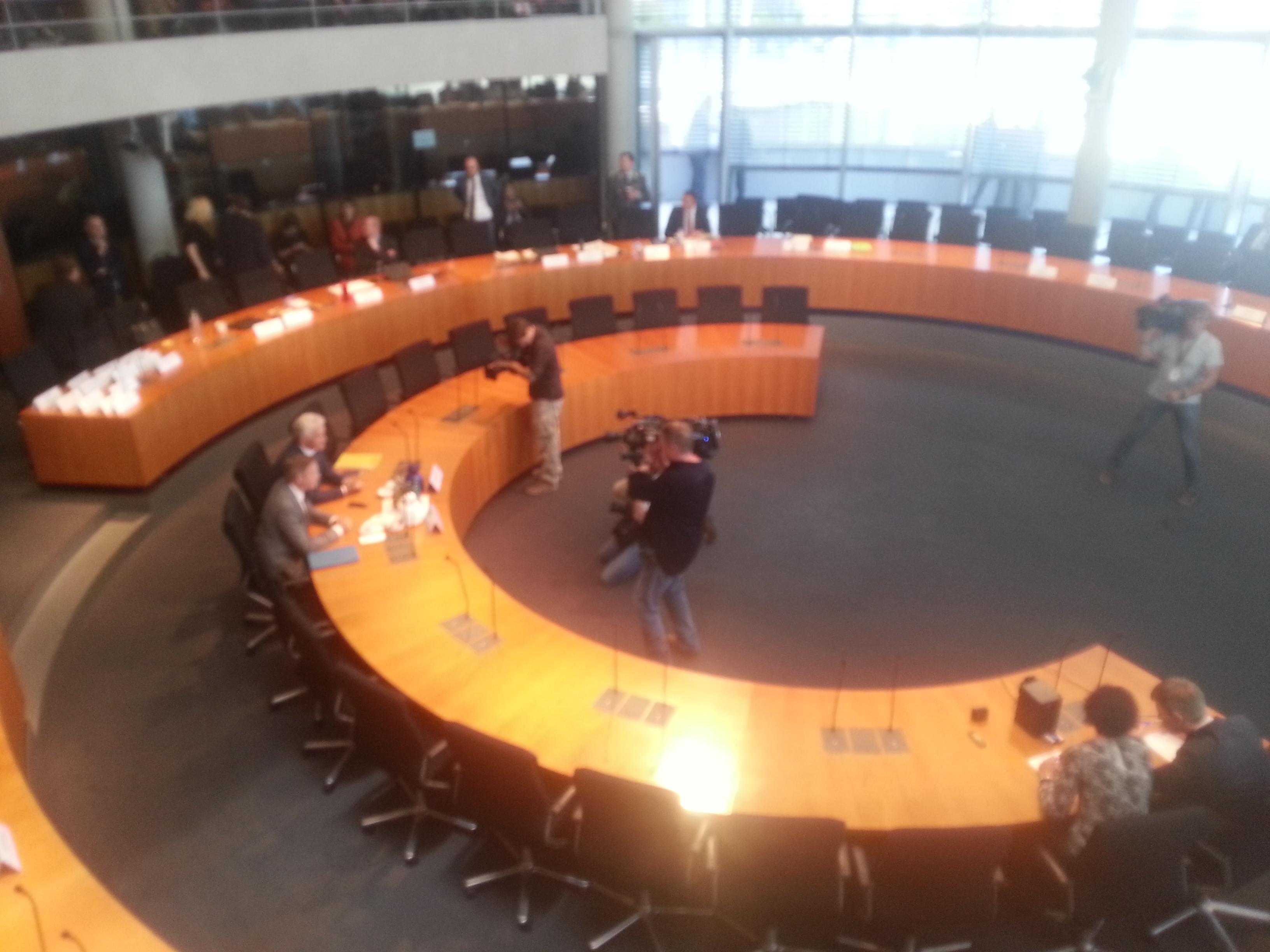 Zeuge Dr. Thomas Kurz vor Beginn der Sitzung.