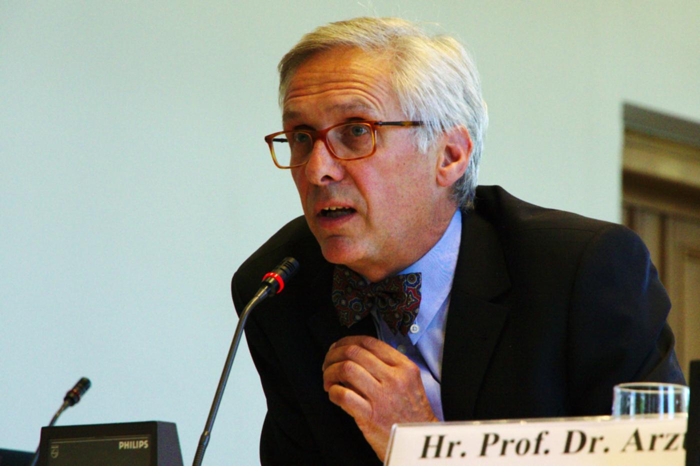 Sachverständiger Prof. Dr. Clemens Arzt