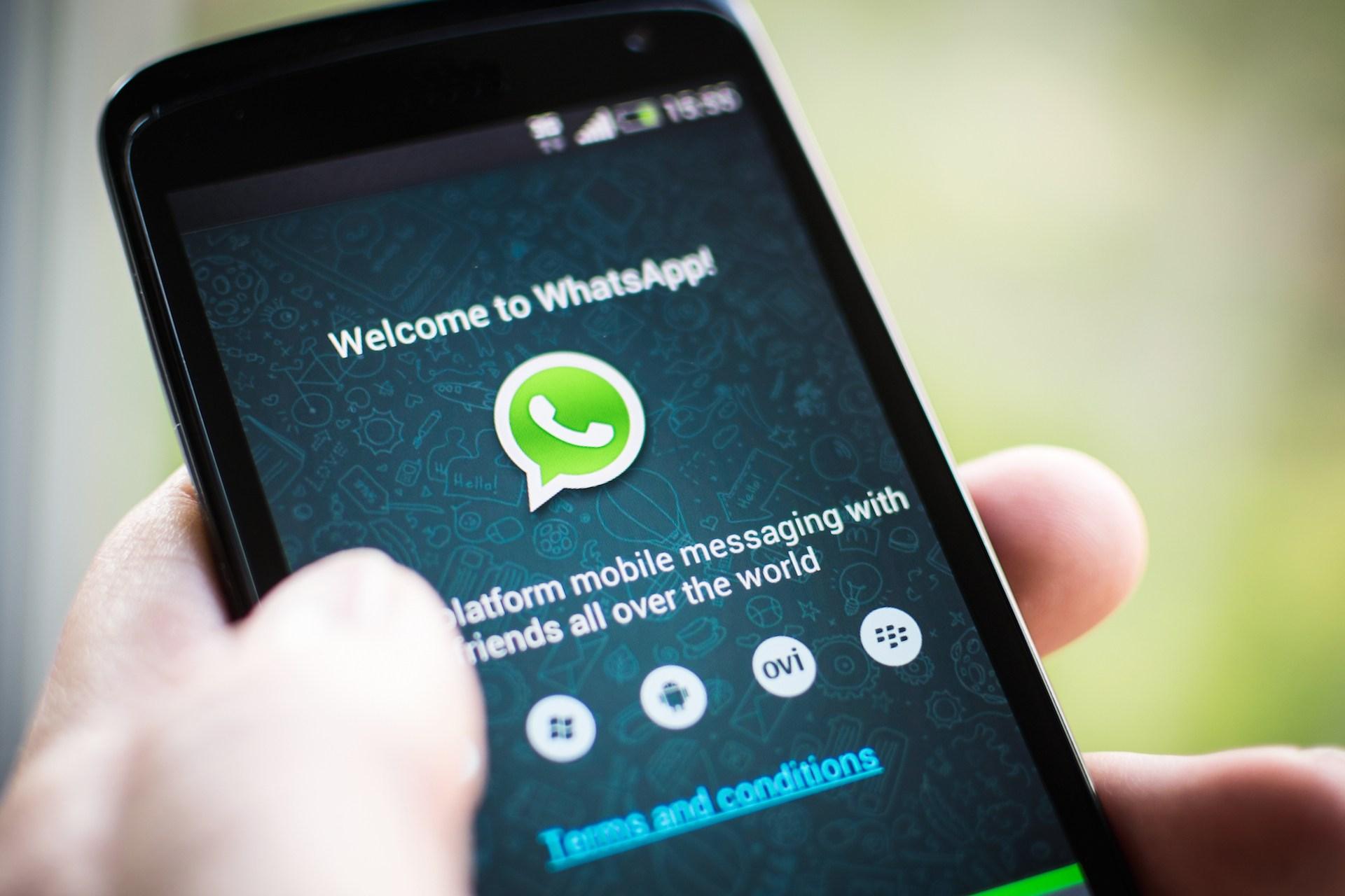 Neue Diensteanbieter wie WhatsApp fressen der Telekom-Branche die Gewinne auf. CC BY-NC 2.0, via flickr/Jeso Carneiro
