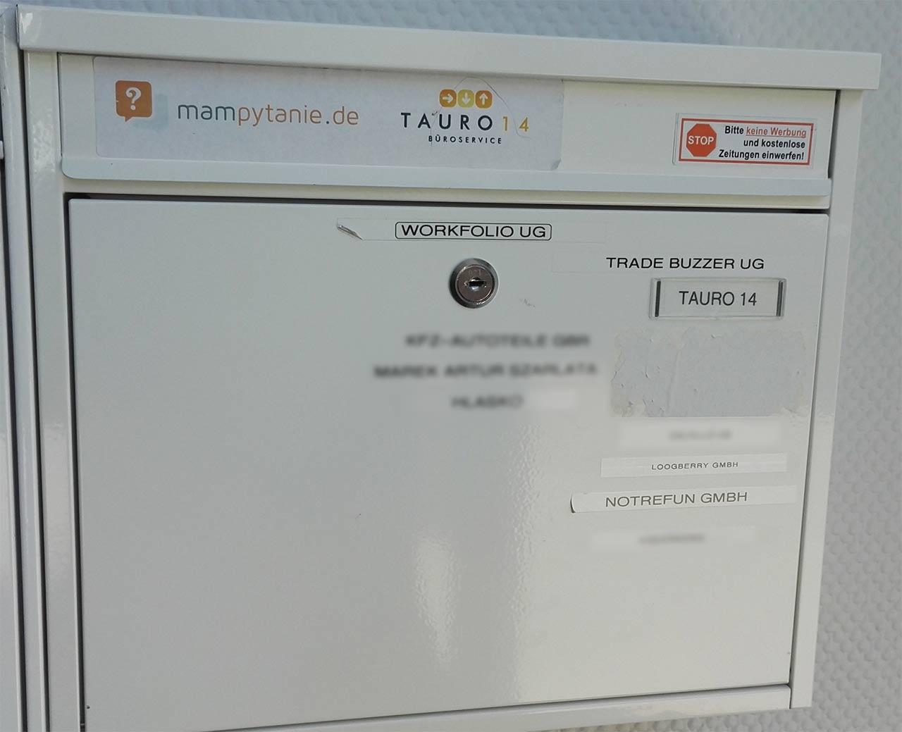 Traute Einigkeit der Abmahnfirmen am gemeinsamen Briefkasten.