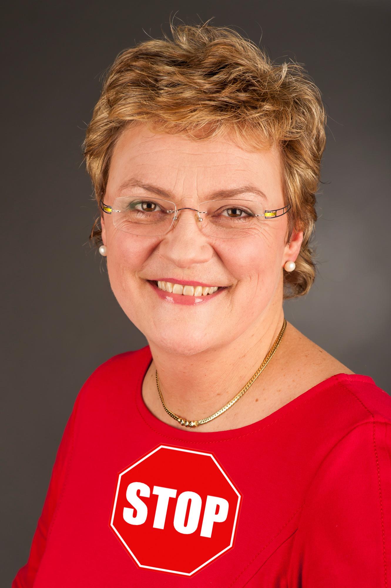EU-Abgeordnete Monika Hohlmeier (CSU) setzt sich für Netzzensur in der EU ein. Bild basiert auf Foto-AG Gymnasium Melle / CC-BY-SA.