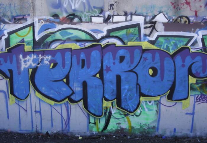 Bildergebnis für bundeswehr-raus.de graffiti