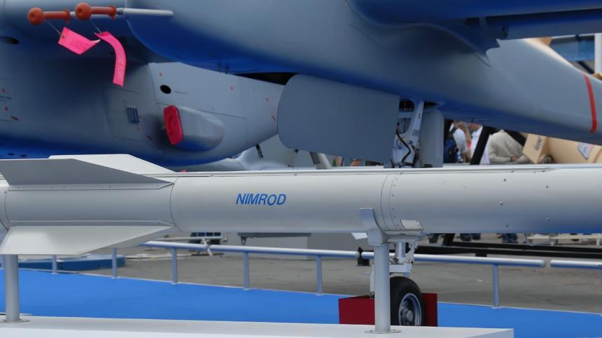 Bild: NIMROD-Rakete von IAI (Wikipedia).