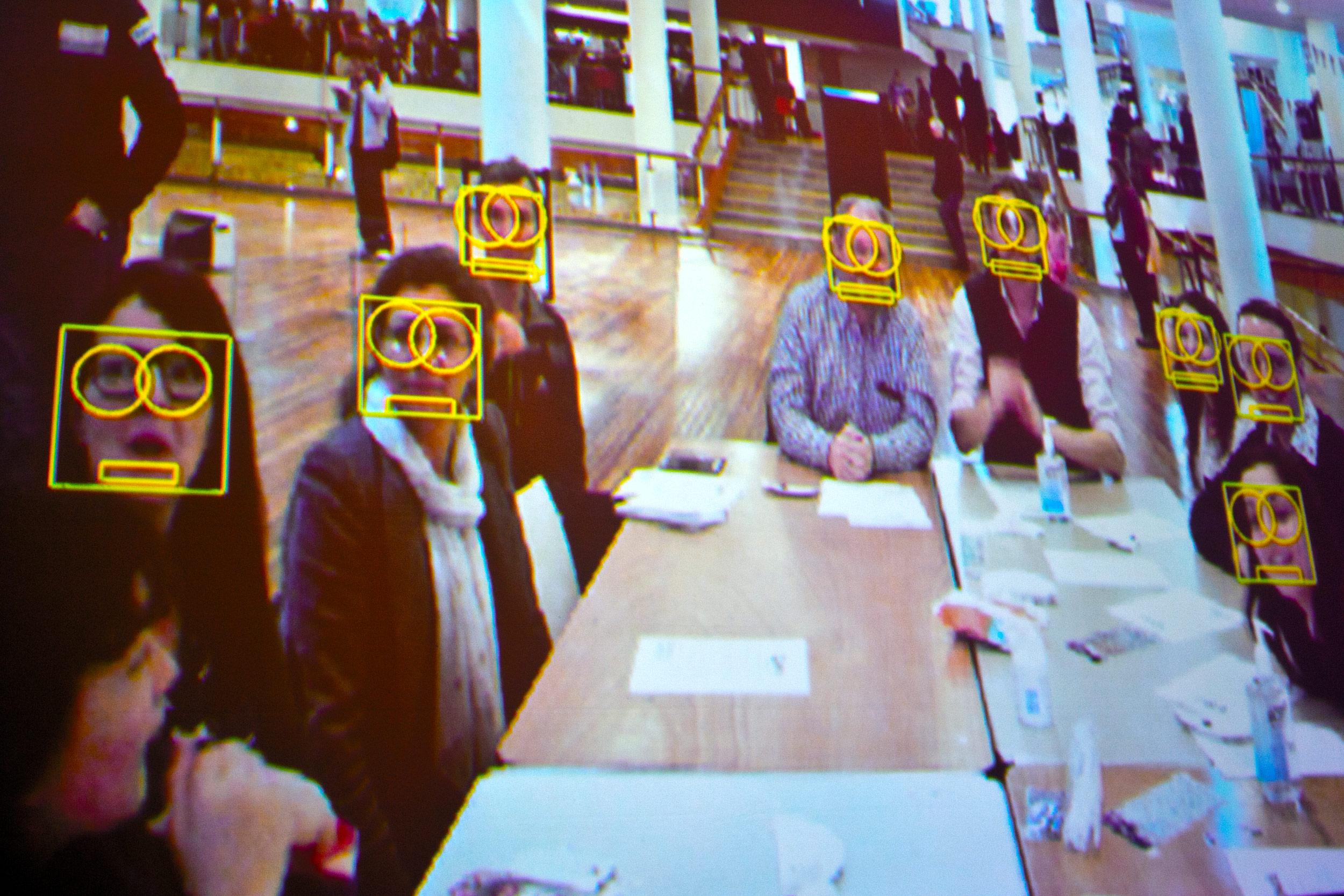 Wenn es nach dem Inneminister geht, soll die automatische Fahndung per Gesichtserkennung kommen. (Symbolbild) Foto: CC-BY 2.0  Southbank Centre London