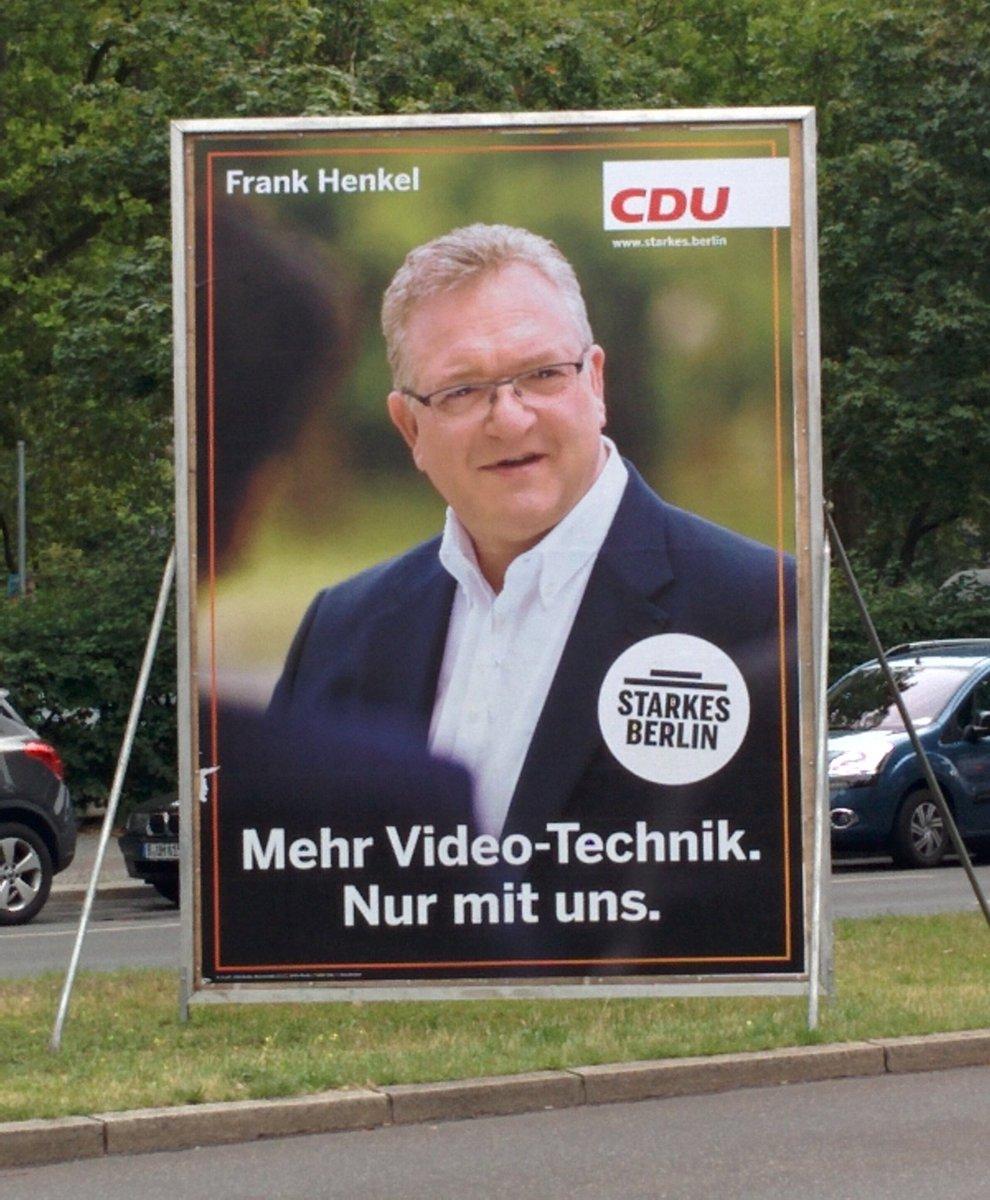 Videoüberwachung heißt jetzt Videotechnik, zumindest bei der Berliner CDU. Bild via twitter/DBasaldella