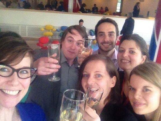Federführend am Prozess Beteiligte von EDRi.org, SaveTheInternet.eu, Access Now und AKVorrat feiern. Bild: Estelle Masse/Twitter