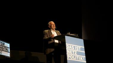 "Peter Schaar bei der ""Das ist Netzpolitik""-Konferenz 2016"