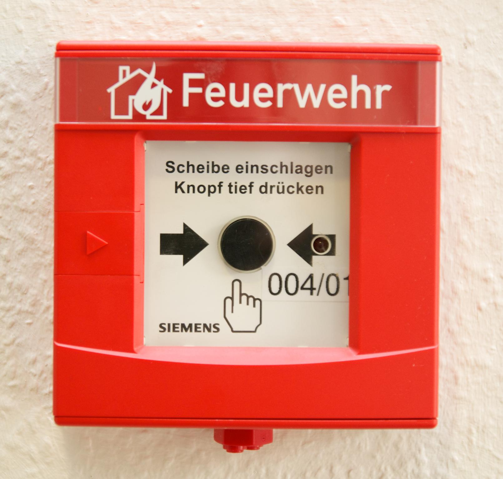 Für schnelle Hilfe bei Sicherheitsvorfällen will die Regierung eine freiwillige Feuerwehr im Cyberraum - CC BY 2.0 via flickr/frnetz