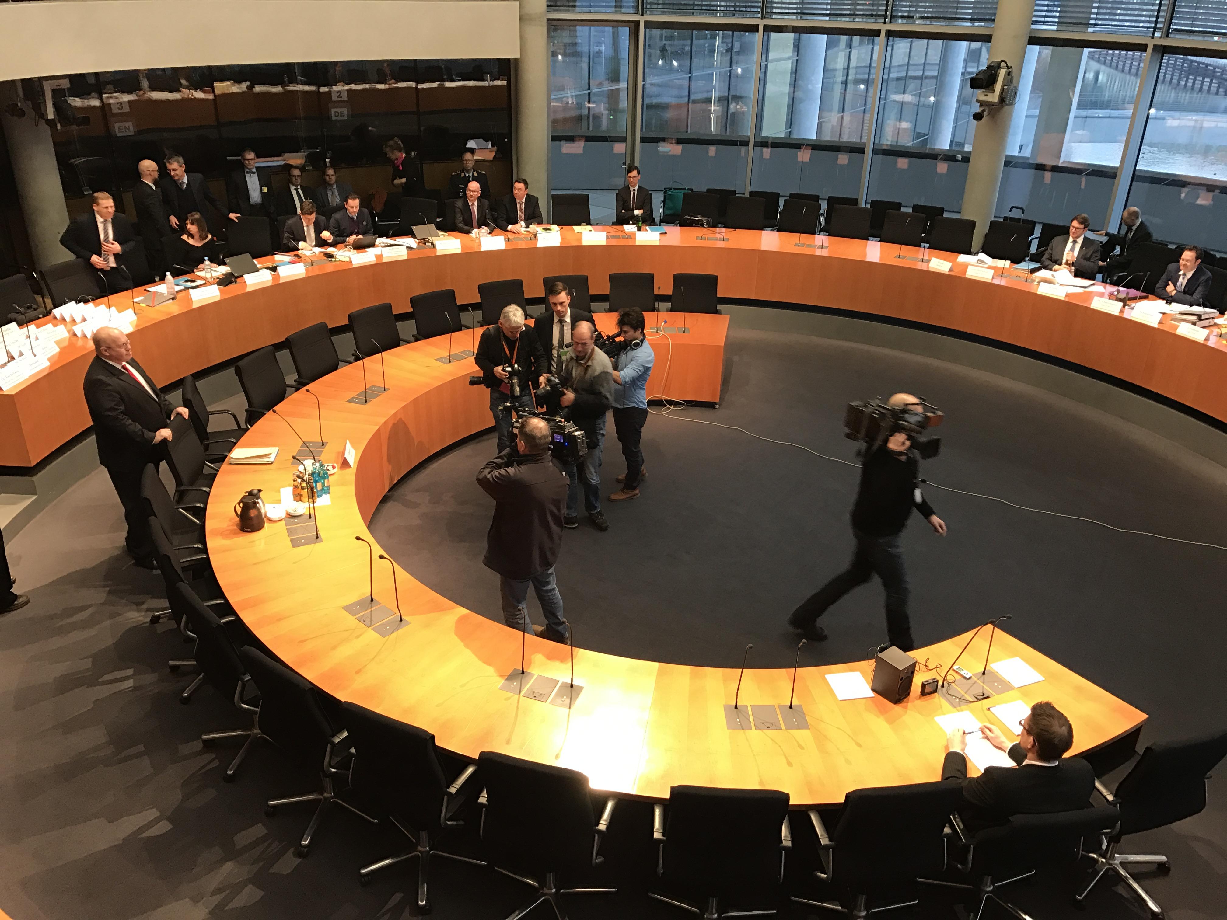 """Live-Blog aus dem Geheimdienst-Untersuchungsausschuss: """"Objektiv ..."""
