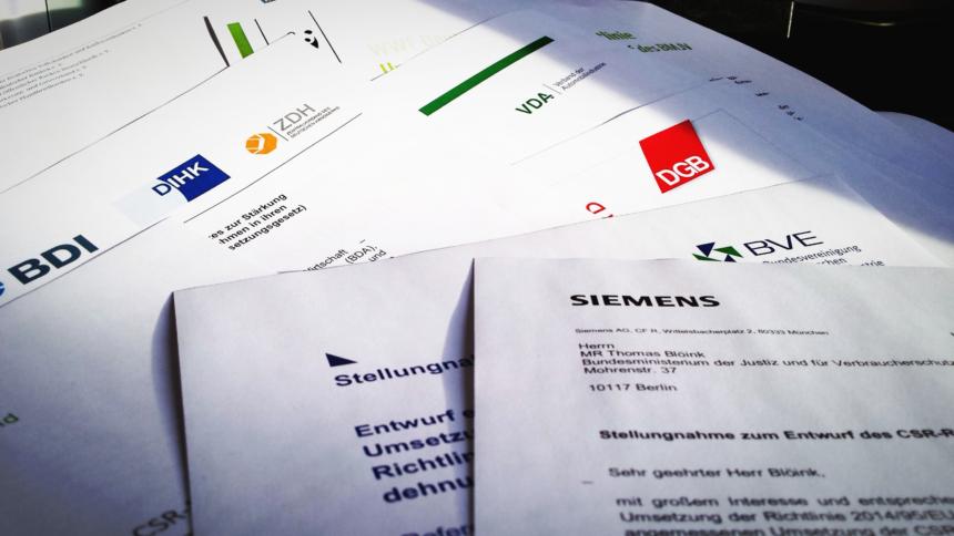 Tausende Stellungnahmen Von Verbänden Fließen In Gesetzentwürfe Ein CC0