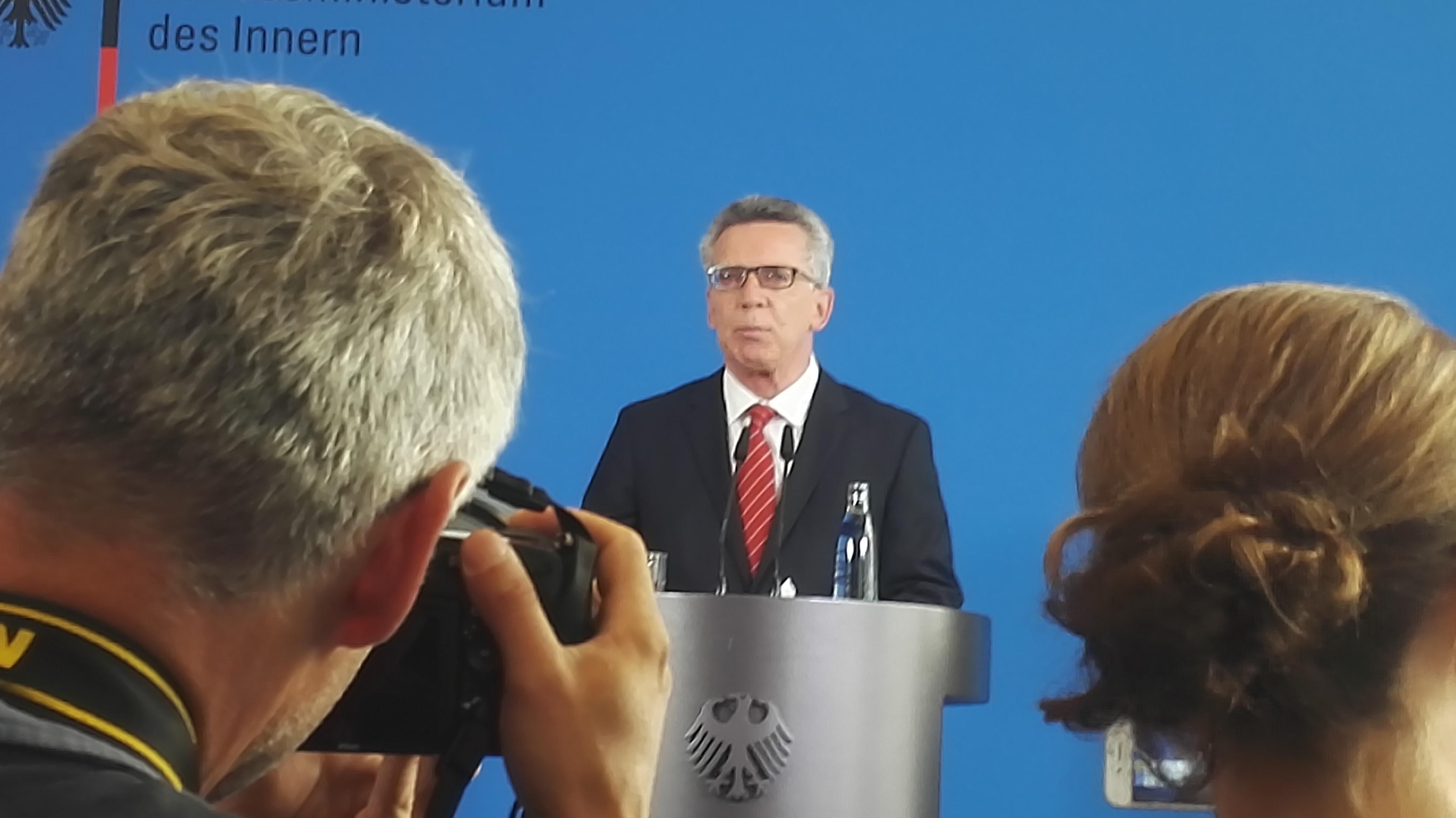 Wahlkampfmanöver: Innenminister verbietet linksunten.indymedia.org ...