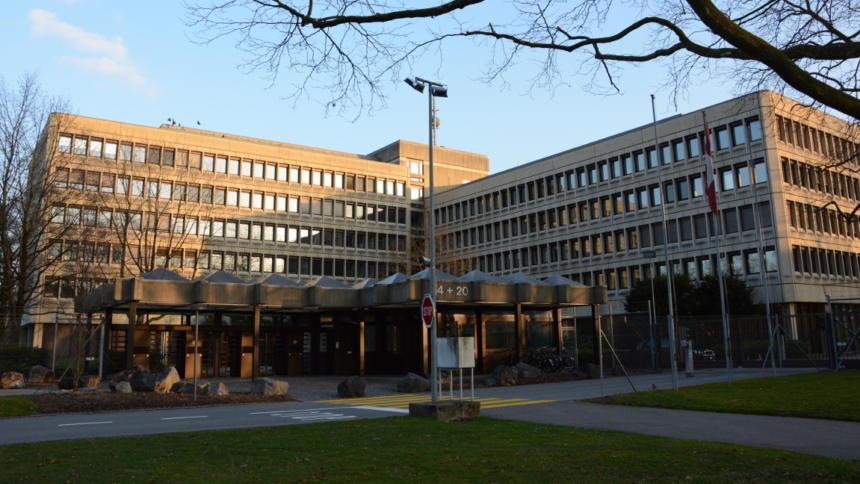 Captivating Wird Verklagt: Nachrichtendienst Des Bundes Der Schweiz.