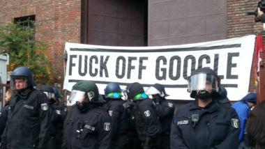 Banner Fuck off Google
