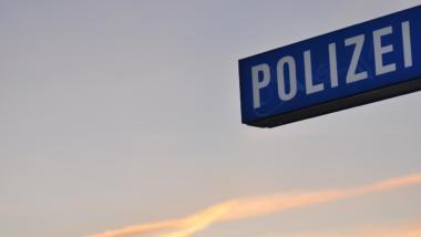 Schild: Polizei