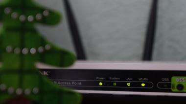 Router mit leuchtenden LEDs