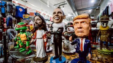Jesus Obama Trump Puppen