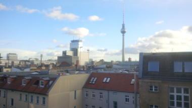 Foto aus dem Fenter der Redaktion mit Blick auf den Fernsehturm