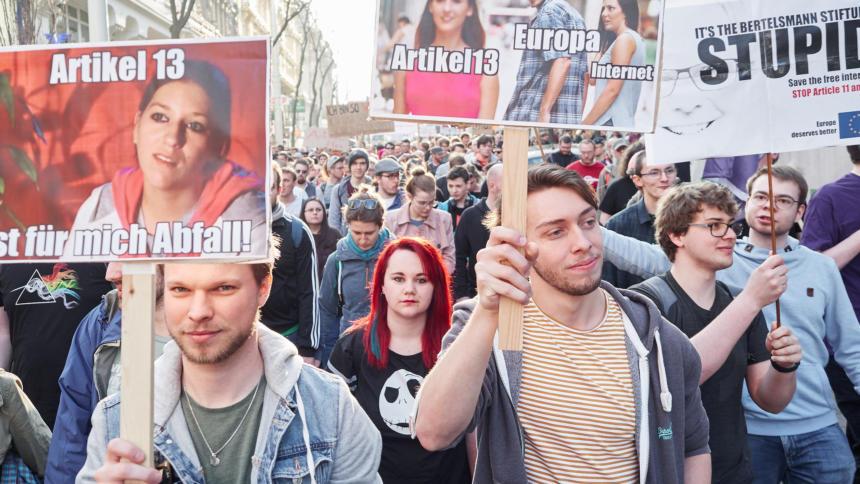 Demonstranten auf der Demo gegen Uploadfilter