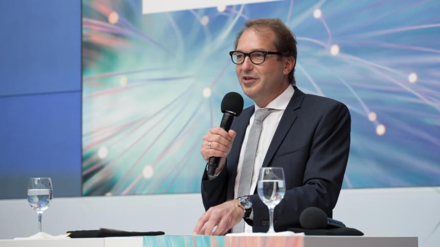 Der ehemalige Bundesminister für Verkehr und digitale Infrastruktur, Alexander Dobrindt (Archivbild)