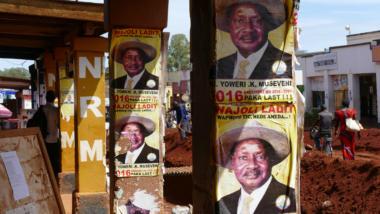 Poster Uganda Präsident Musaveni Kampange 2016