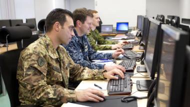"""""""Staatliche Hacker"""" - Sicherheitspolitik rückt in den Cyberraum"""