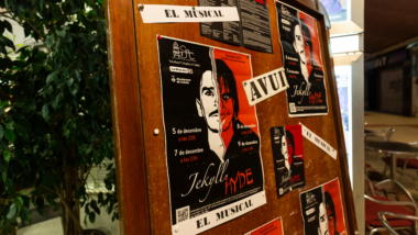 "Ein Poster vom Musical ""Jekyll and Hyde""."