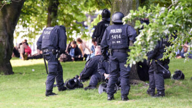 Hamburger Police takes a break while G20 Protests