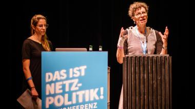 Jeanette Hofmann und Ronja Kniep