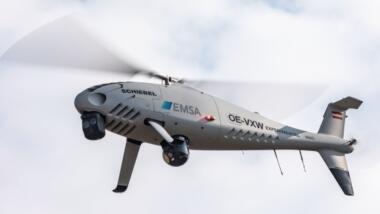 "In mehreren Mitgliedstaaten setzt die EMSA Senkrechtstarter ein, hier den ""Camcopter S-100""."