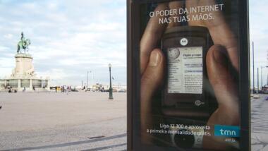 Werbung für Mobilfunkanbieter in Lissabon