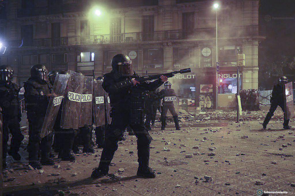 Polizei schießt