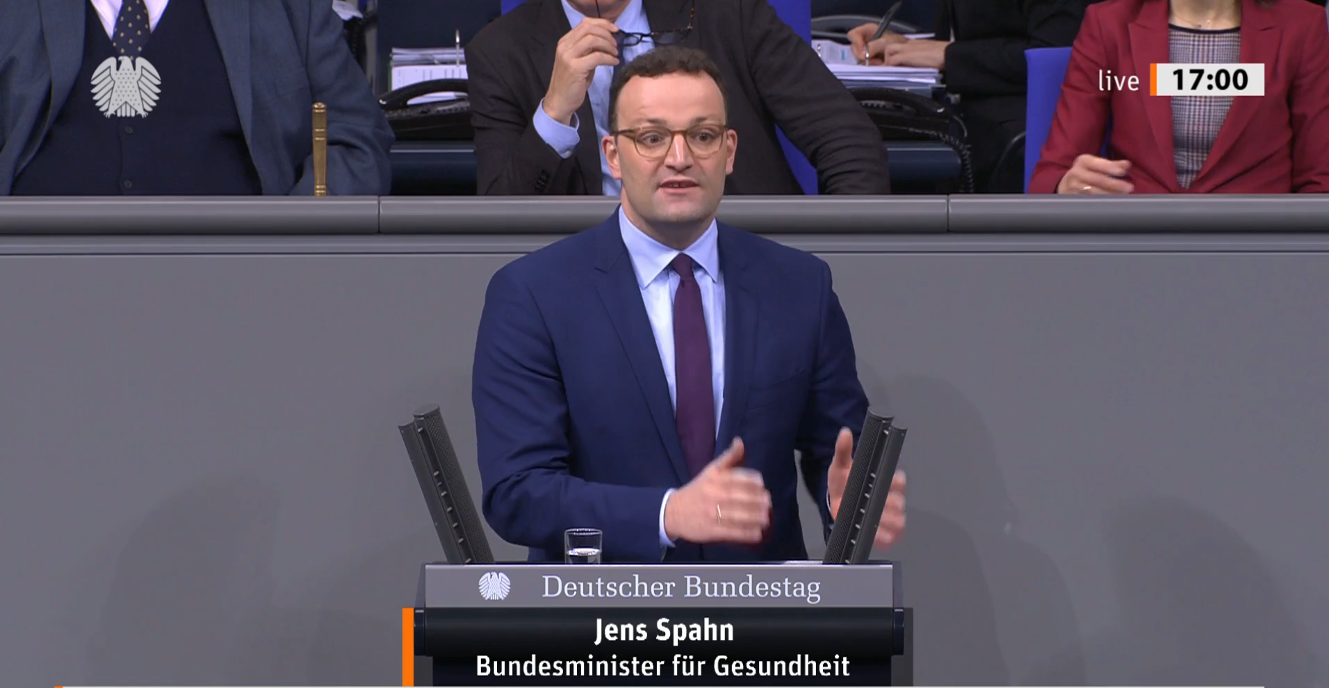 Jens Spahn am Rednerpult des Bundestages