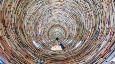 Ein Strudel aus Büchern