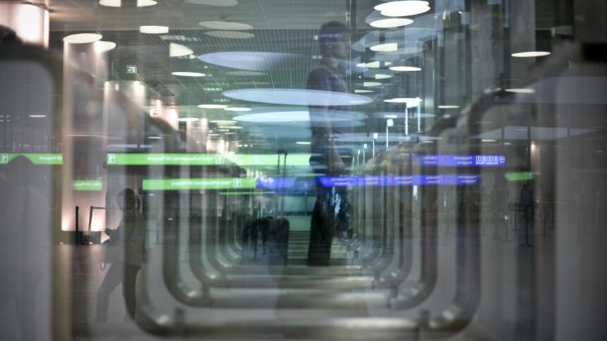 Automatisierte Gesichtskontrolle am Flughafen