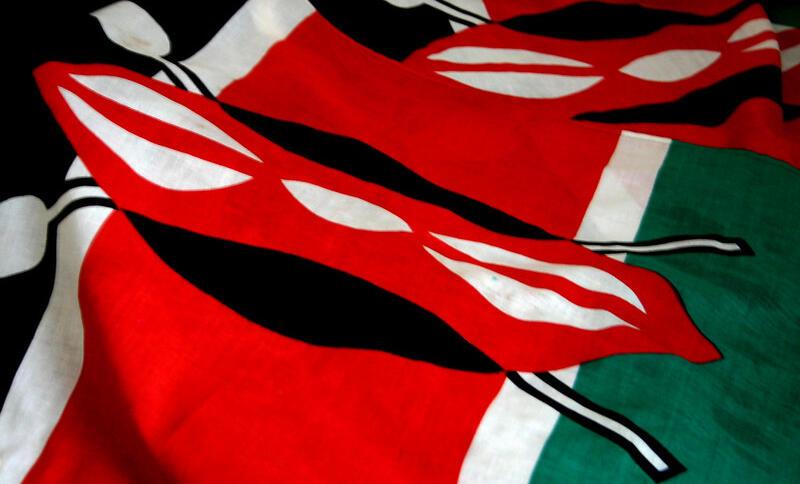 Eine kenianische Flagge ist zu sehen.
