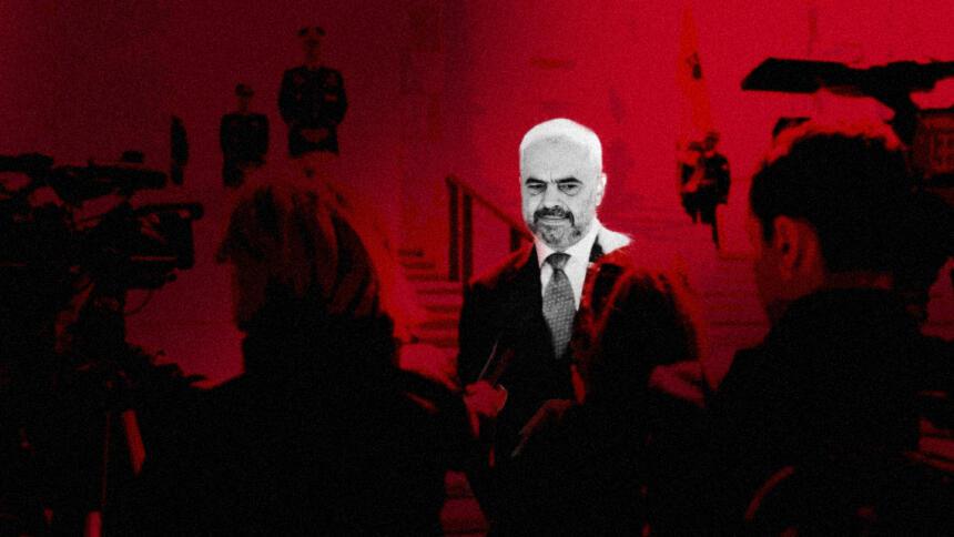 """Albaniens Ministerpräsident Edi Rama bezeichnete Journalist:innen unter anderem als """"Mülleimer"""". Die Bedingungen für unabhängige Medien sind in dem Land schlecht."""