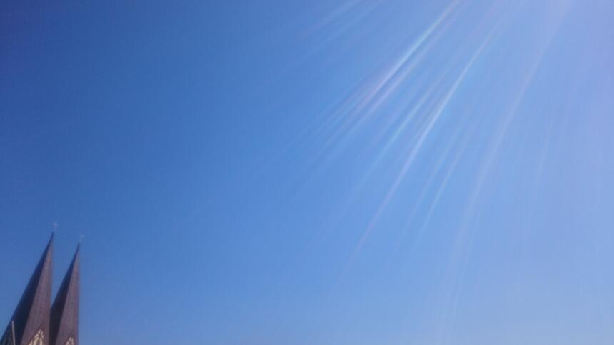 Blauer Himmel ohne Wolken