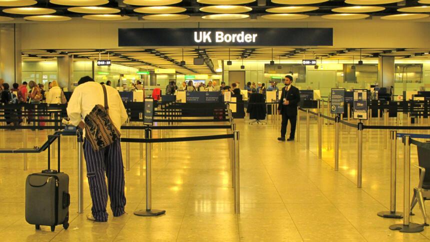 Britische Grenze mit Passkontrolle