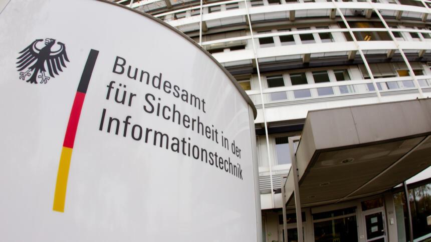 Eingang Dienstgebäude des BSI
