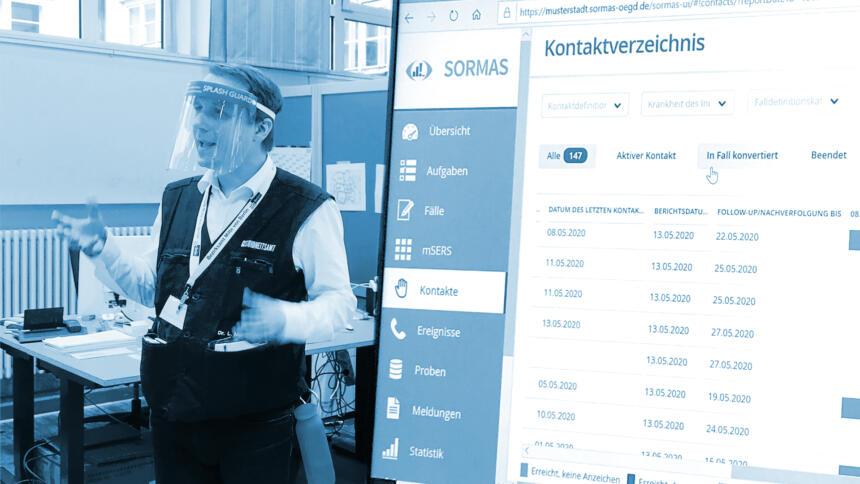 Amtsarzt von Berlin-Mitte Lukas Murajda vor dem Screen mit SORMAS