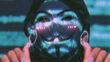 Anonymous-Maske und K-Pop-Glitzer