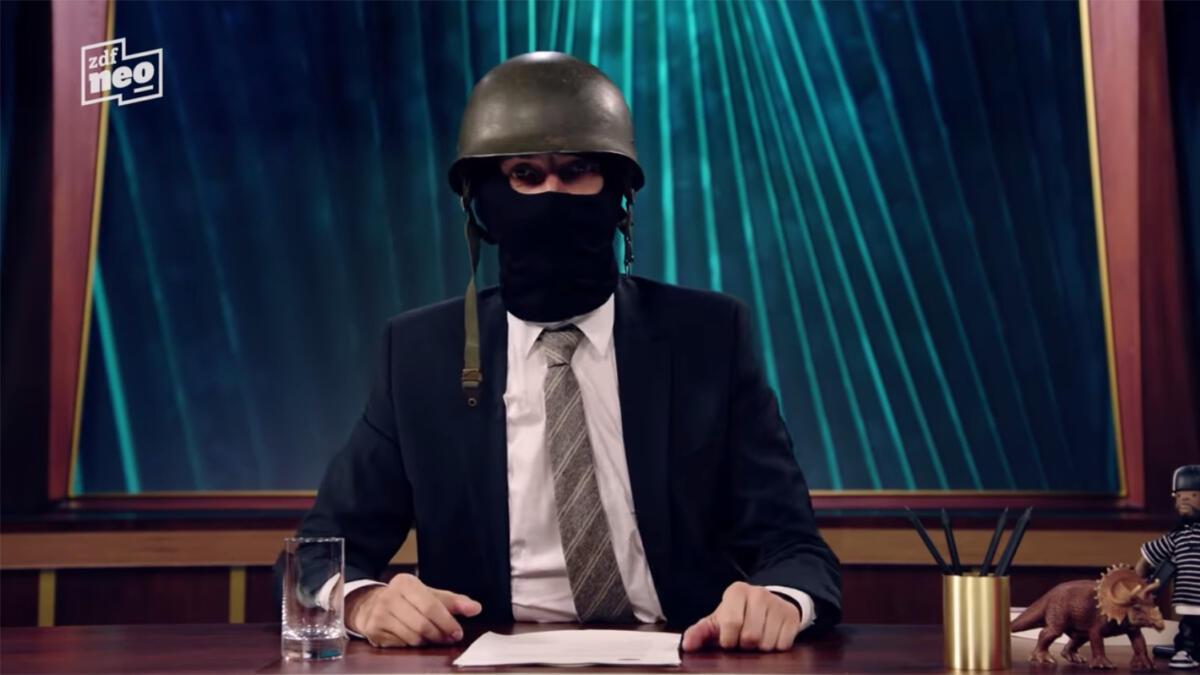 Jan Böhmermann verkündet im Neo Magazin Royale den Start von Reconquista Internet (April 2018).