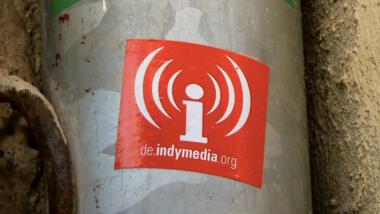 Aufkleber von Indymedia