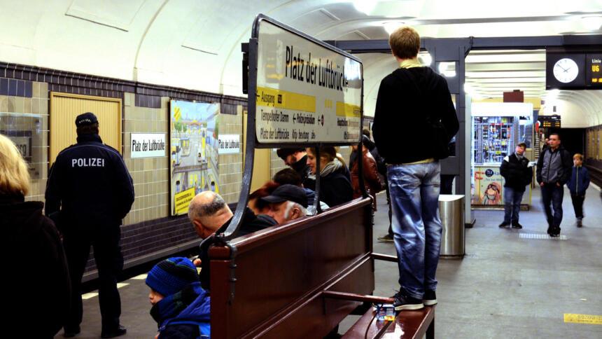 U-Bahnhof Platz der Luftbrücke