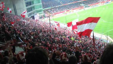 Westkurve im Fritz-Walter-Stadion Kaiserslautern von oben