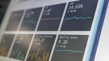 Dashboard für Data Reporting auf einem Bildschirm