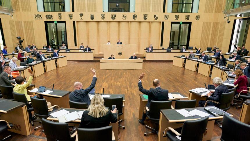 Blick in den Plenarsaal während der Sitzung