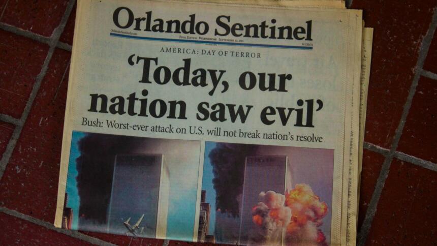 """Zeitungscover mit dem Titel """"Today, our nation saw evil"""" zu den Anschlägen vom 11. September 2001"""